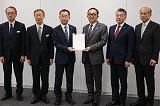 首都圏新都市鉄道(株)へ要望書提出(平成31年3月8日)